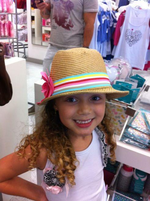 gabi chapeu